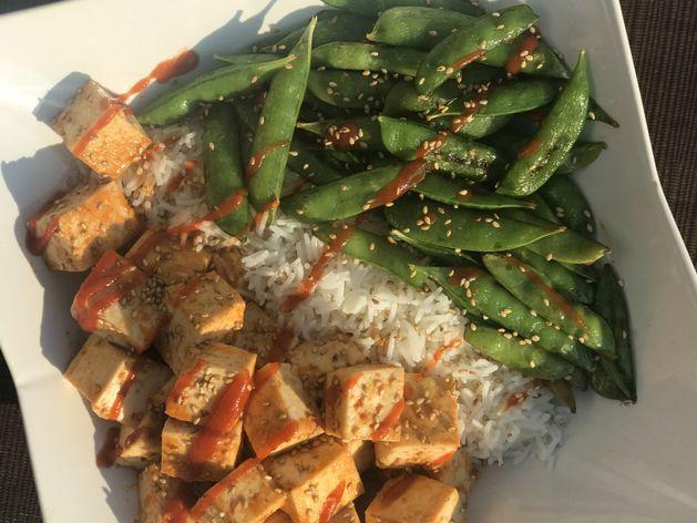 Honey Sriracha Tofu and Snap Peas wide display