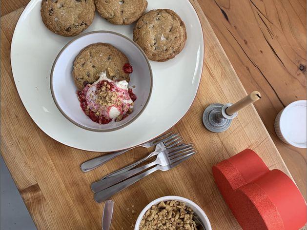 Chocolate Chip Lava Cookies (Pazookie) wide display