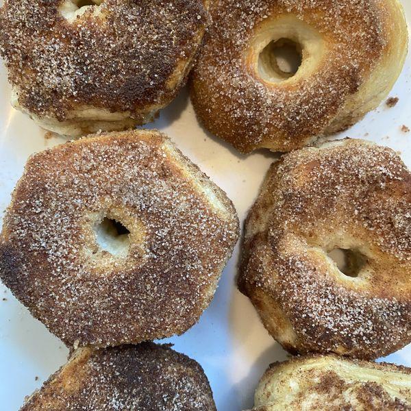 Short Cut Brava Donuts wide display