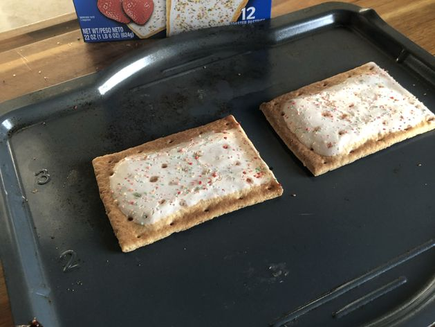 Pop Tarts - Frosted - 1 zone wide display