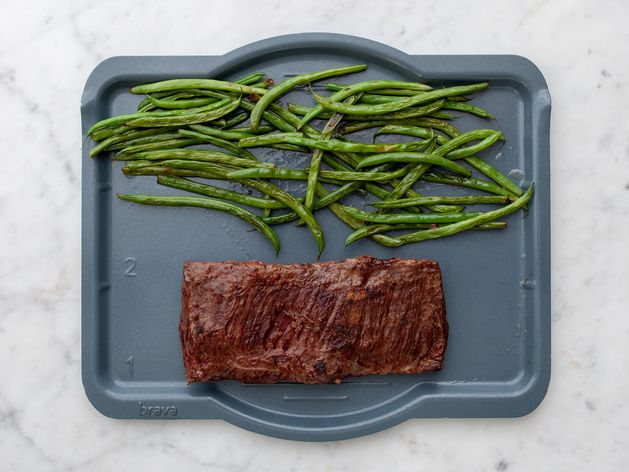 Skirt Steak and Green Beans wide display