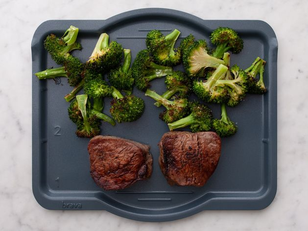 Filet Mignon and Broccoli wide display