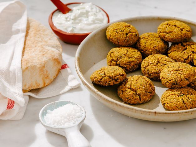 Crispy Baked Falafel wide display