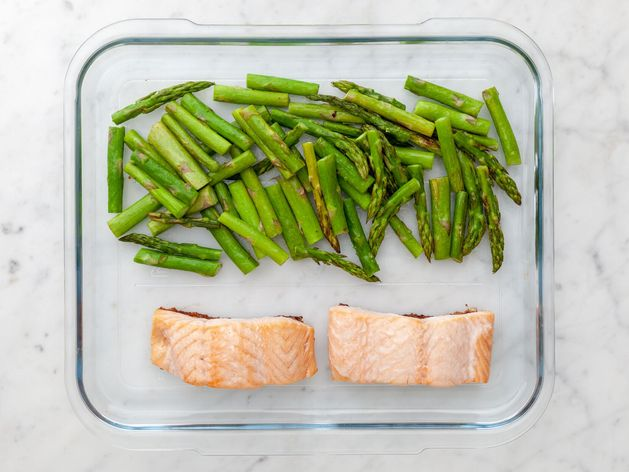 Salmon (Skinless) and Asparagus wide display