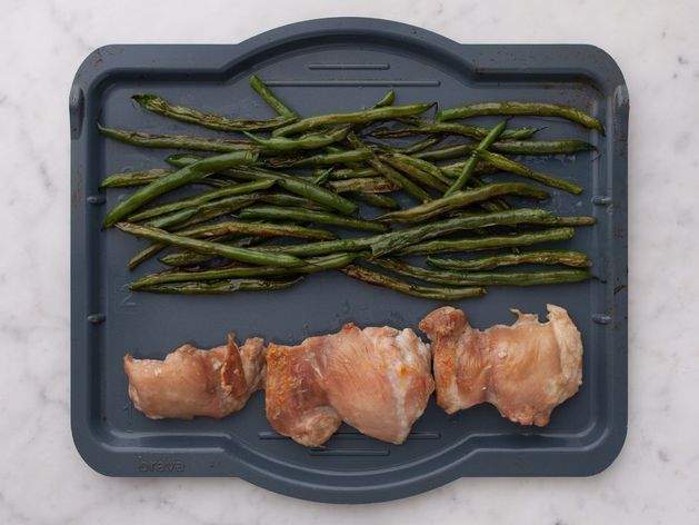 Chicken Thighs (Boneless and Skinless) with Green Beans wide display