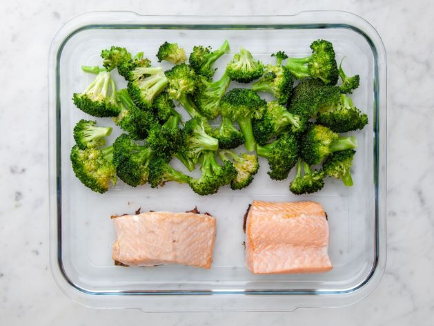 Salmon (Skinless) and Broccoli wide display