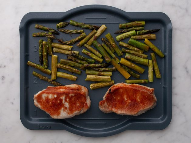 Pork Chops (Boneless) and Asparagus wide display