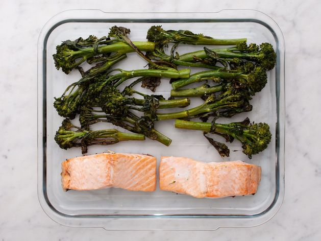 Salmon (Skinless) and Baby Broccoli wide display