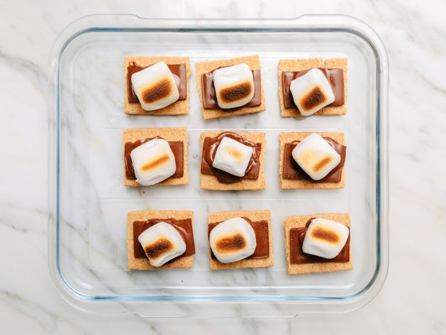 S'mores wide display