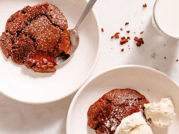 Molten Chocolate Cakes wide display