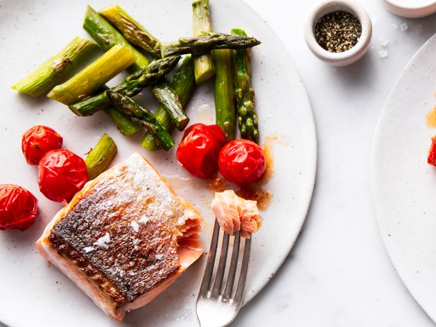 Salmon Filet, Asparagus and Cherry Tomatoes wide display