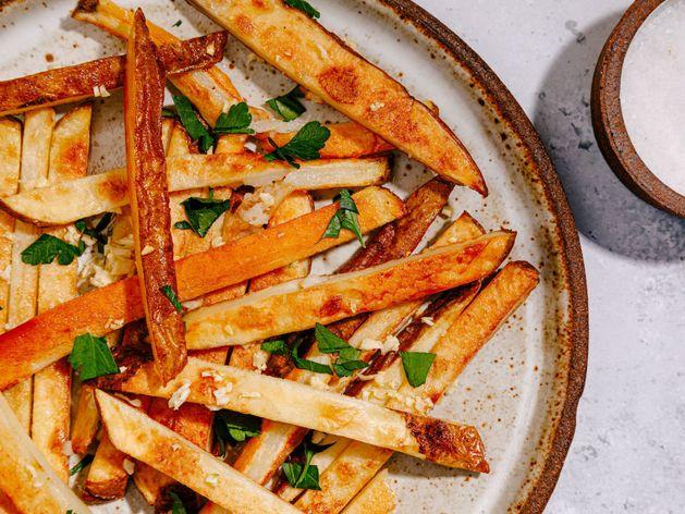 Garlic Fries wide display