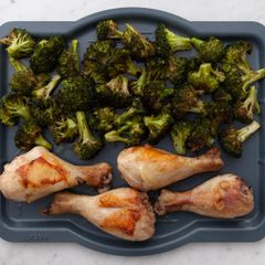 Chicken Drumsticks & Broccoli