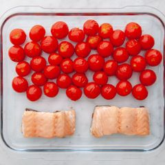Salmon (Skinless) and Cherry Tomatoes